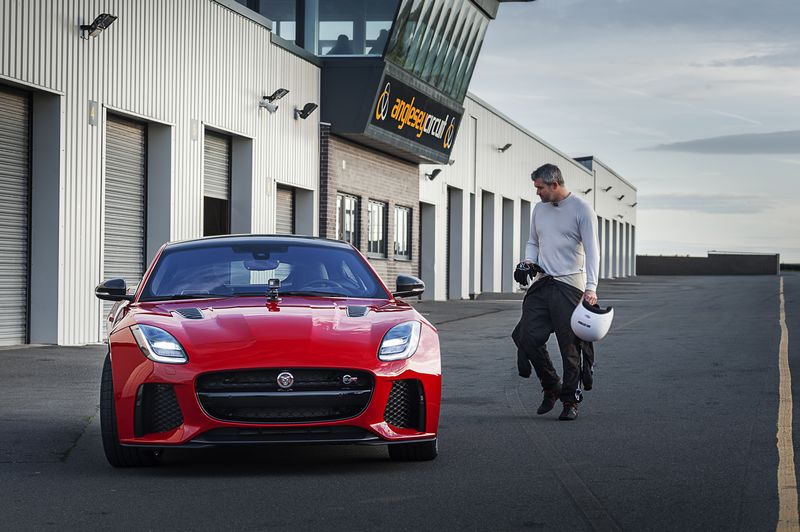 NEW JAGUAR F-TYPE DEBUTS WITH WORLD-FIRST GOPRO TECHNOLOGY-2017-on the track