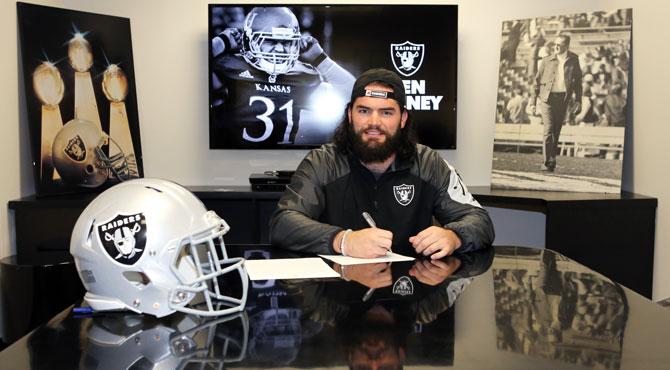 Oakland Rivers Raiders LB Ben Heeney-