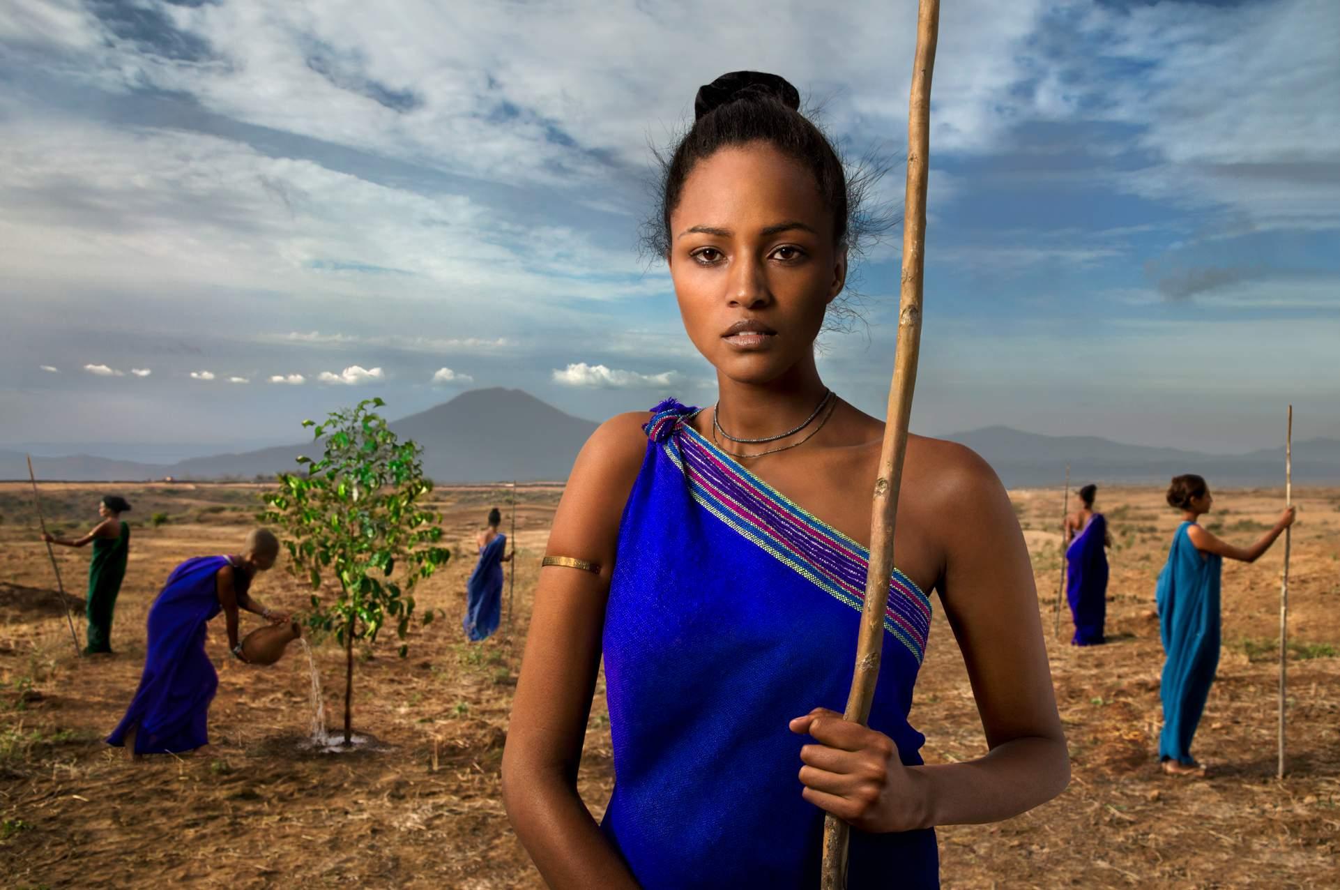... Steve McCurry, The Earth Defenders 2015 Lavazza Calendar2LUXURY2.COM