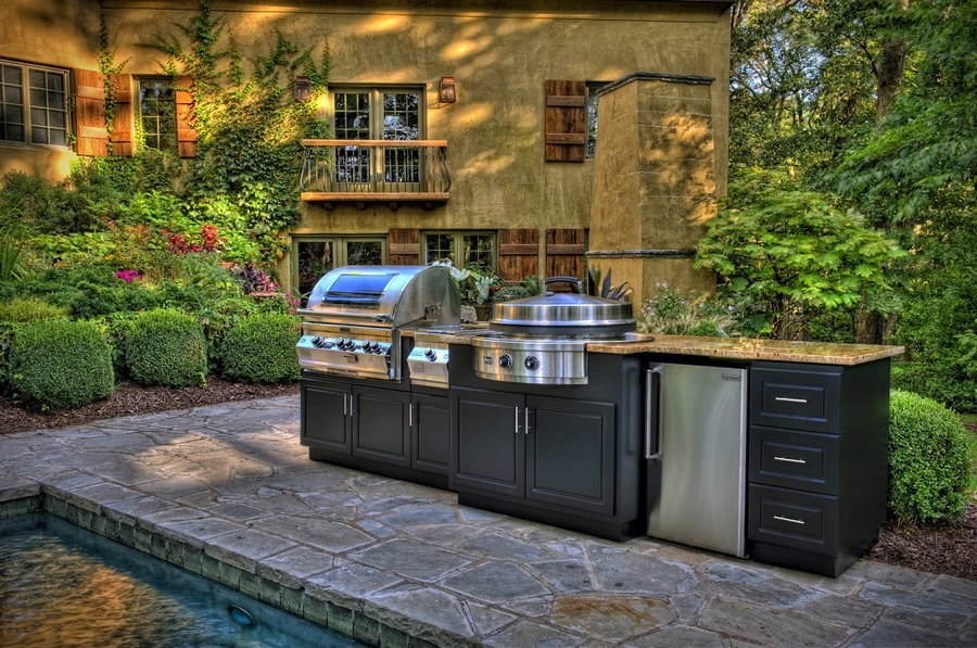 Outdoor Grills and Pizza Kitchens - luxury outdoor cooking