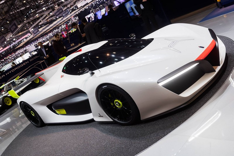 Pininfarina H2- A zero emissions vehicle able to reach 300 km per h by releasing just water vapor into the atmosphere
