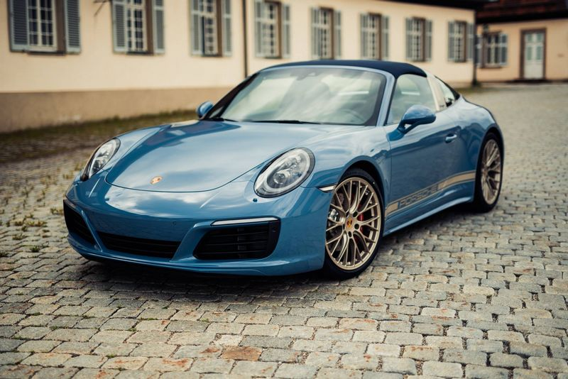 Porsche 911 Targa 4S Exclusive Design Edition--