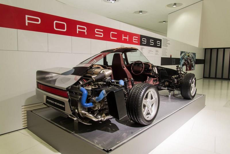 Porsche 959 exhibition Porsche Museum in 2015--in section