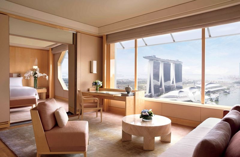 RITZ-CARLTON, MILLENIA SINGAPORE – A REMARKABLE 5-STAR HOTEL