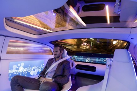 Red Dot Design Concept Award for F 015 Luxury in Motion and Concept IAA