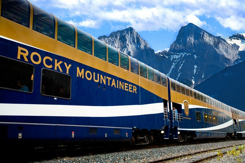 rocky-mountaineer-canada-luxury-train