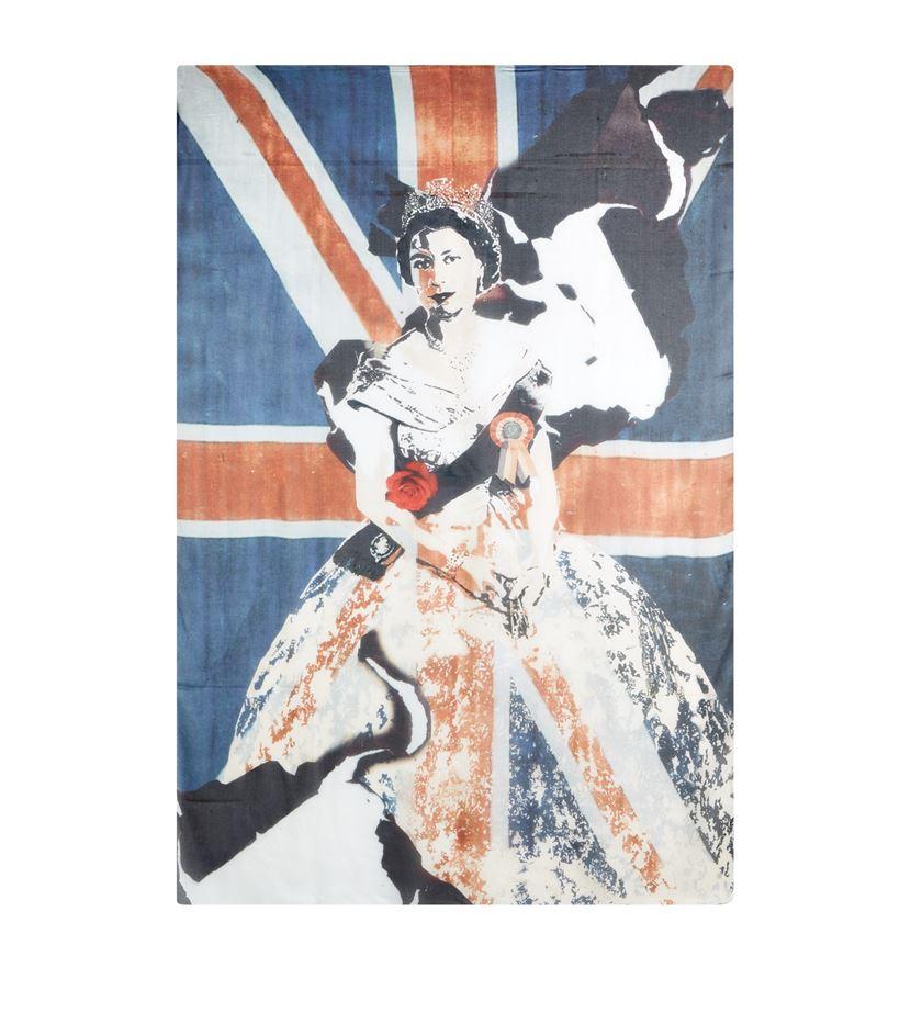 Savage Beauty Queen Elizabeth II Pashmina--
