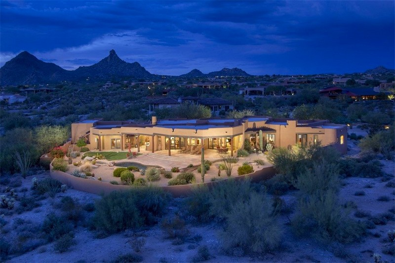 Serene Desert Estate in Scottsdale, Arizona