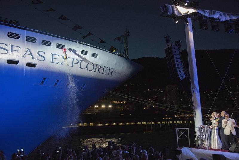 SevenSeasExplorer-Regent-Seven-Seas-Explorer-cruiseship-World´s most luxurious cruise ship-the chrisening