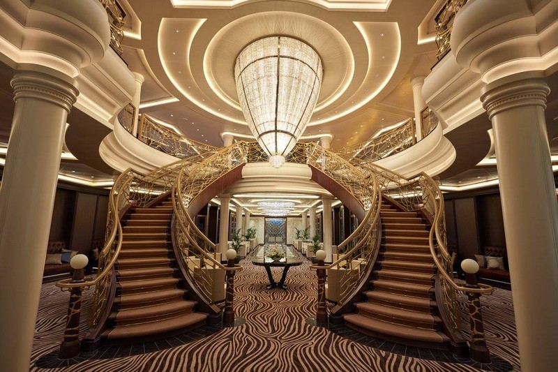 SevenSeasExplorer - The Atrium