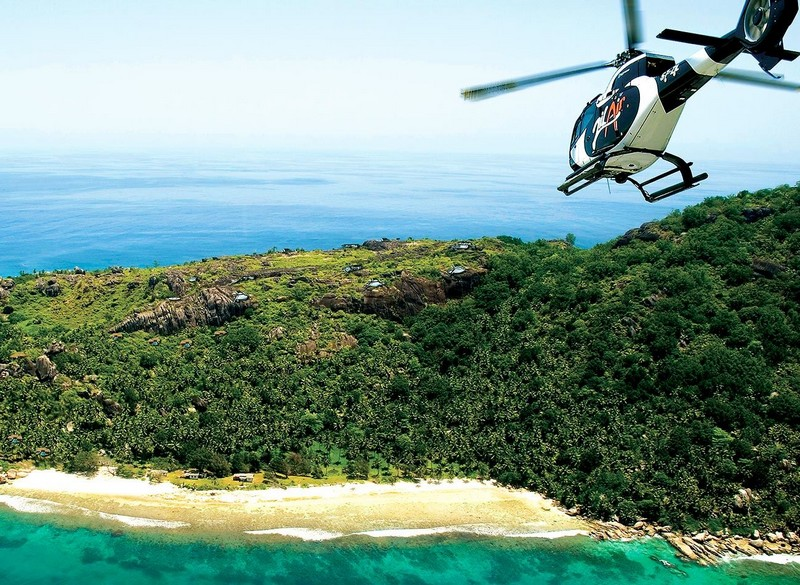 seychelles-zil-air-helicopter-arrival-felicite