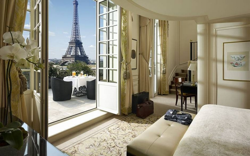 shangri-la-paris-eiffel-views-amazing-places-where-you-can-feel-on-top-of-the-world
