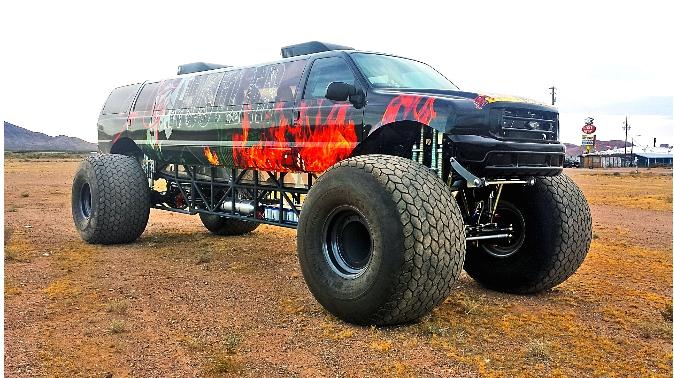 Sin City Hustler - the world's first luxury monster truck-000