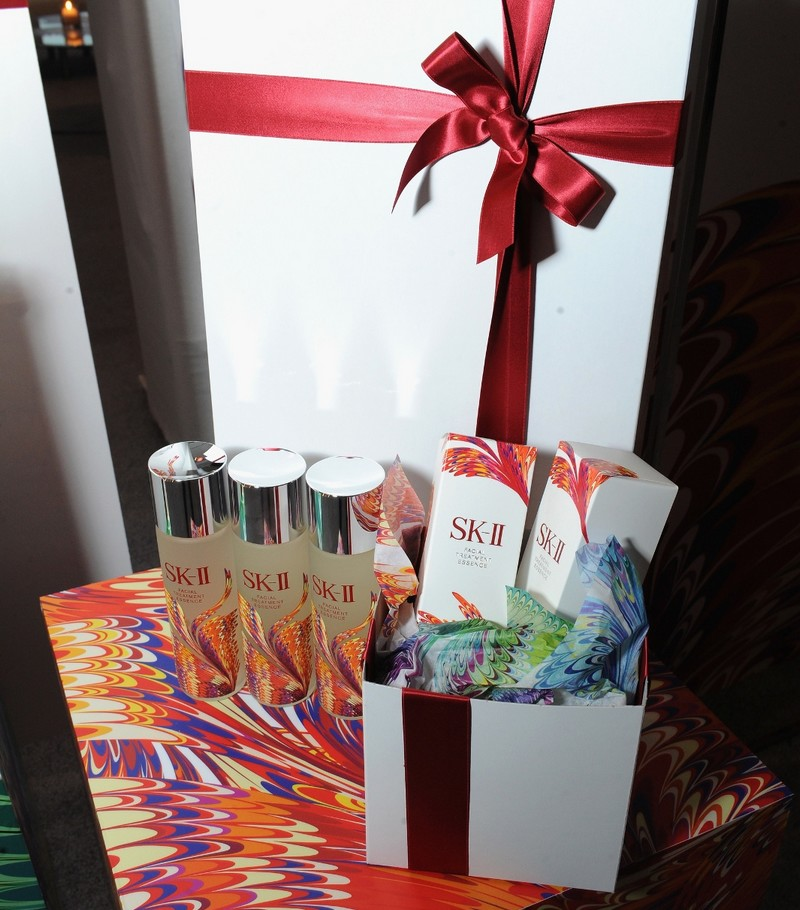skin-science-sk-ii-limited-edition-holiday-collection-of-facial-treatment-essences