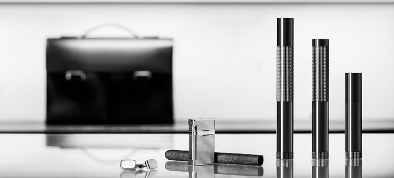 Solloshi - Luxurious cigar tube- CNC machined from titanium