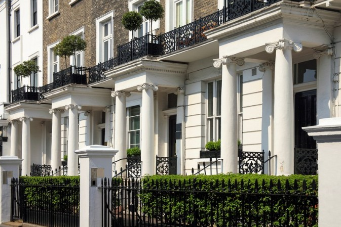 Britain's super-rich cash in on low interest rates with £1m mortgages