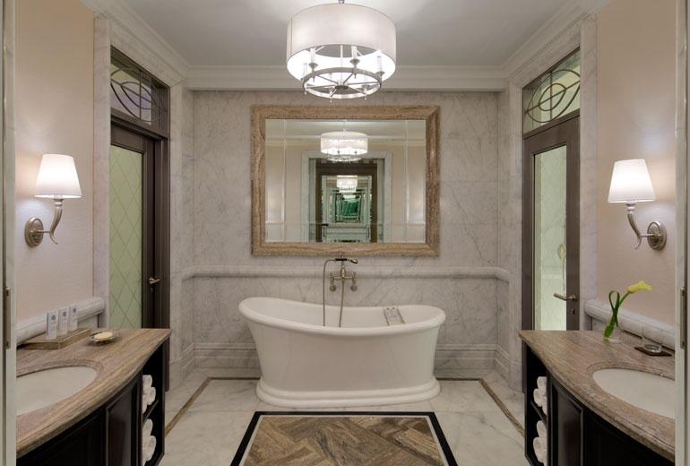 St Regis Dubai hotel -Deluxe room bathroom