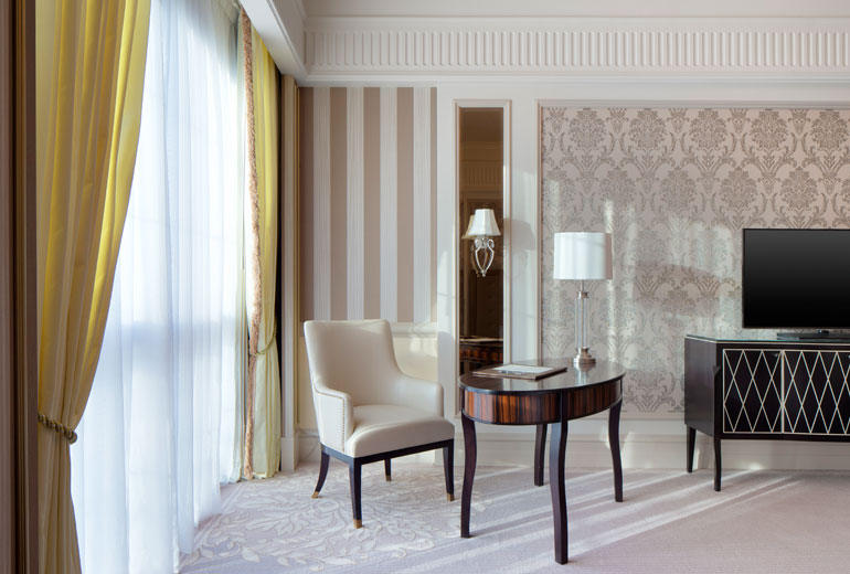 St Regis Dubai hotel -Desk in guest room