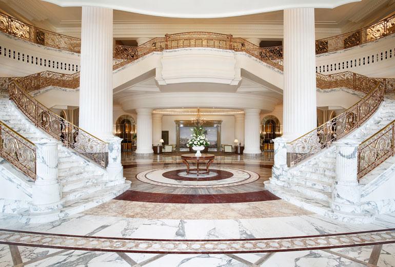 St Regis Dubai hotel - Lobby Grand Staircase