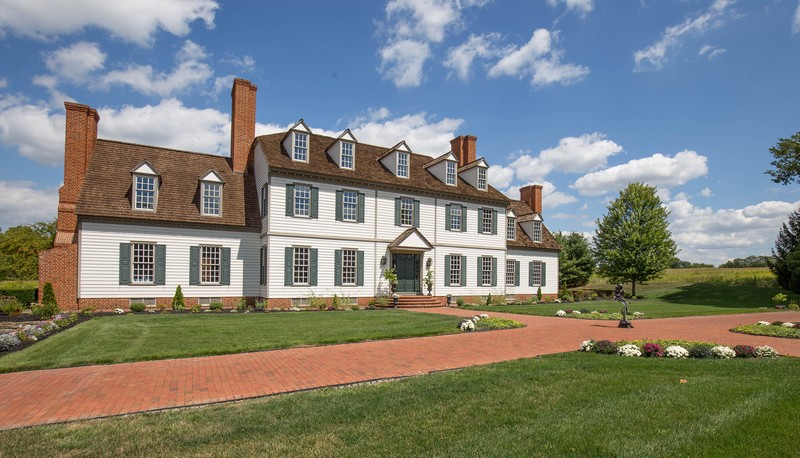 stunning-colonial-mansion-in-ohio