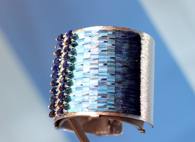 Sunny Side Of Life - a Piaget High Jewellery and Fine Watchmaking Collection - cuff with feathers marquetry