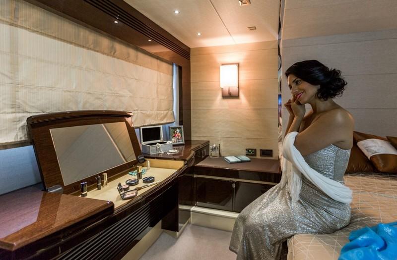 sunseeker-68-sport-yacht-interior