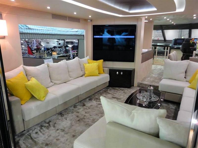 Sunseeker 75 Yacht - Saloon