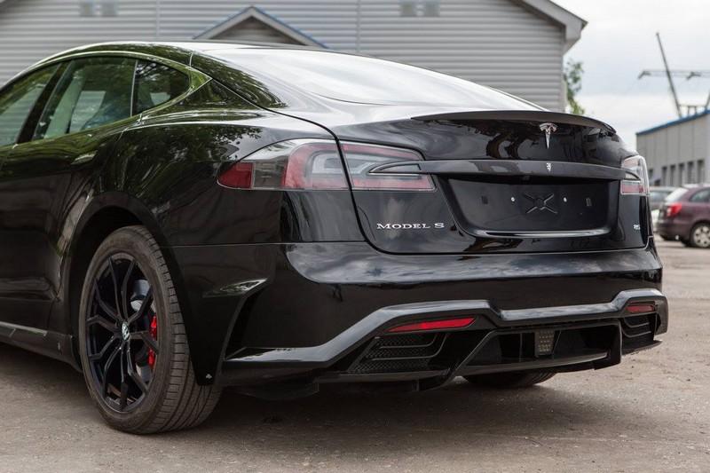 Tesla Model S - New version of Elizabeta Tuning Kit by Larte Design in Black--