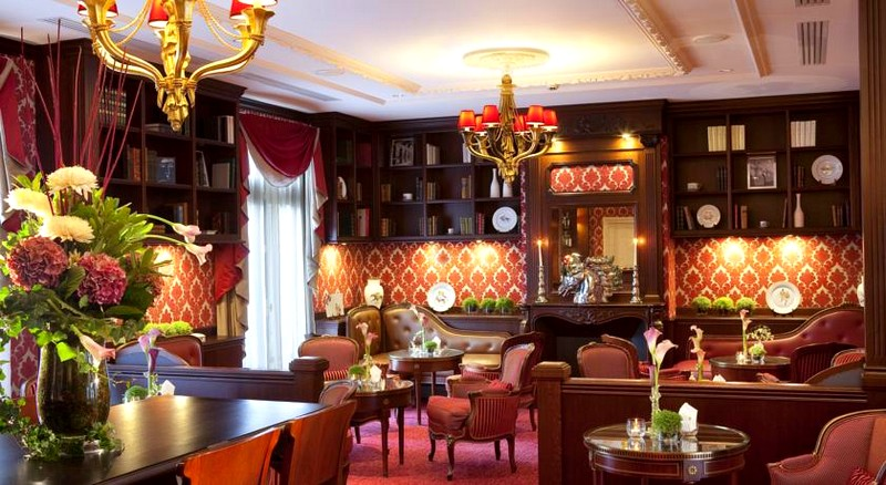 The Auberge du Jeu de Paume-interior