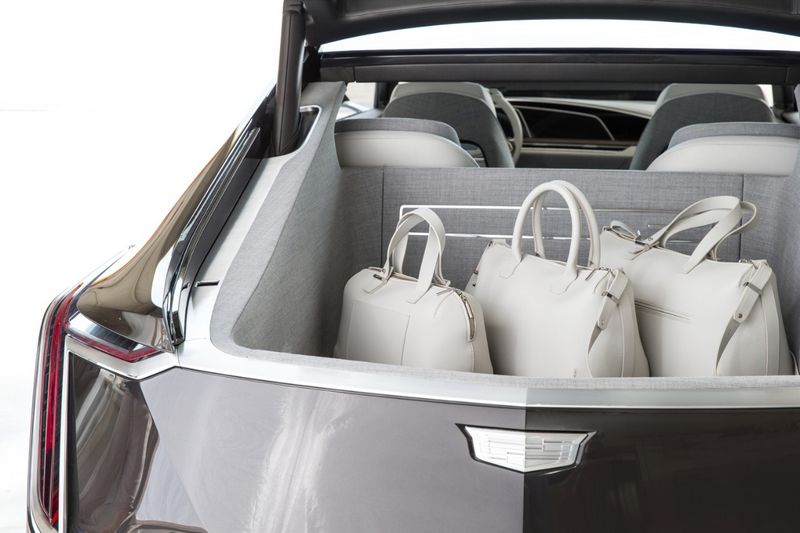 The Escala Concept is the next evolution of Cadillac-2016 model-luggage-2luxury2