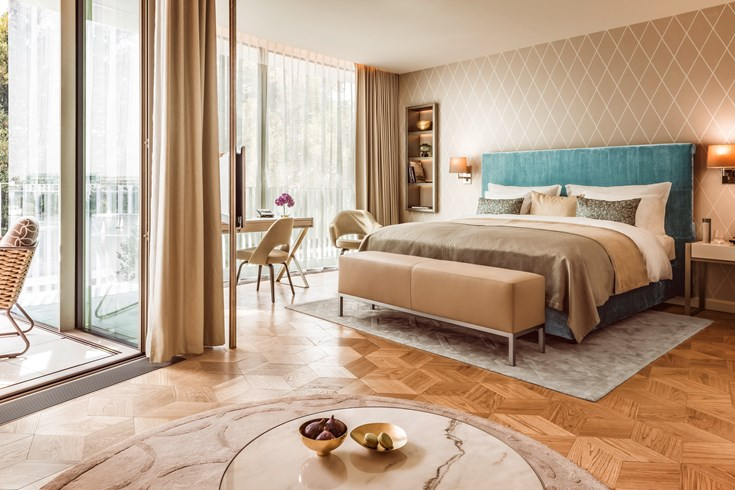 the-fonteney-hamburg-a-homage-to-the-hanseatic-city-deluxe-room