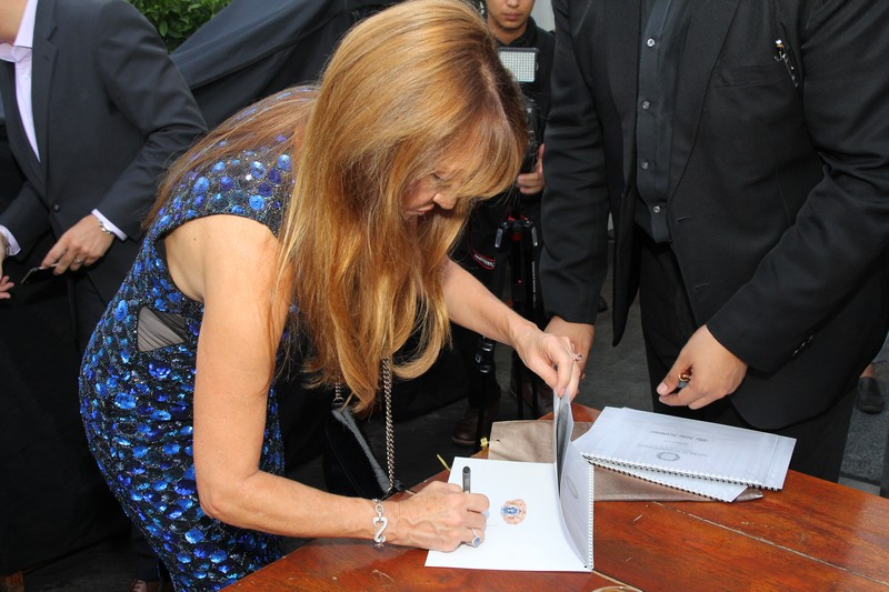 The Jane Seymour blue diamond ring - a beyond rare blue diamond -Ce La Vi welcome dinner - world of diamonds-jane seymour-