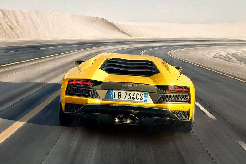 the-lamborghini-aventador-s-supercar-launch-2016