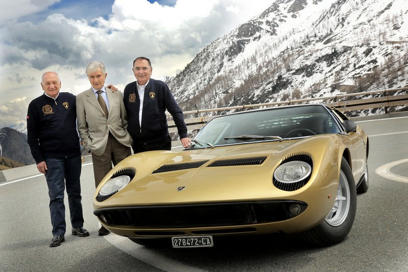 The Lamborghini Miura celebrates its 50th anniversary on the roads of The Italian Job