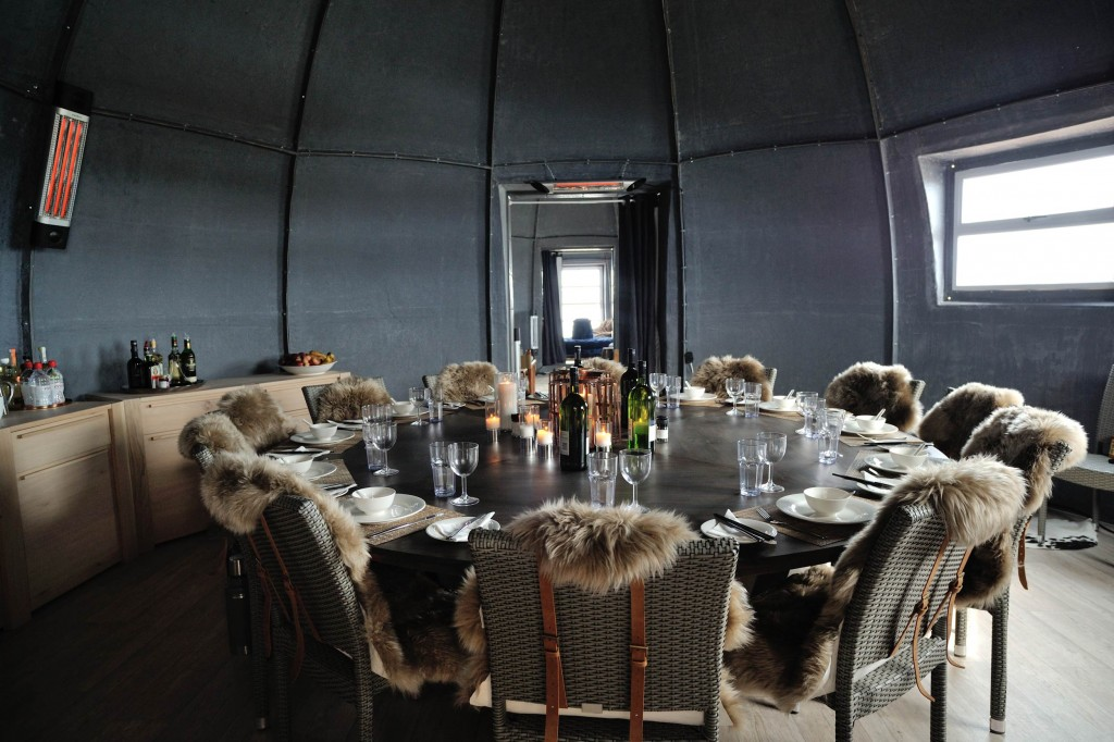 the-living-room-whichaway-camp-in-antarctica