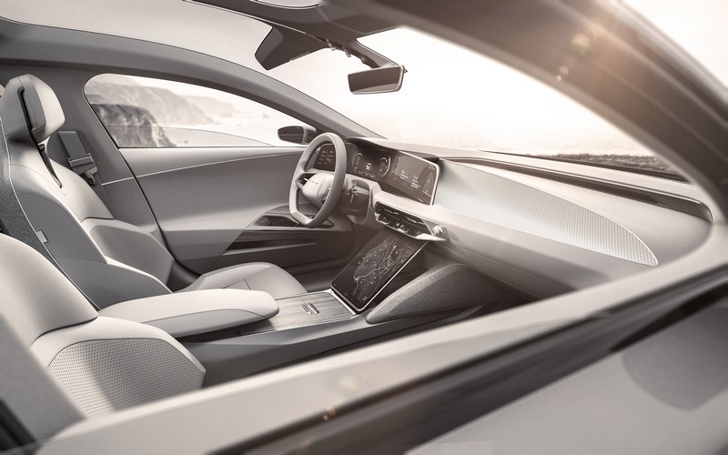 the-lucid-air-is-a-luxury-electric-vehicle-planned-to-hit-the-us-market-in-2019-cockpit