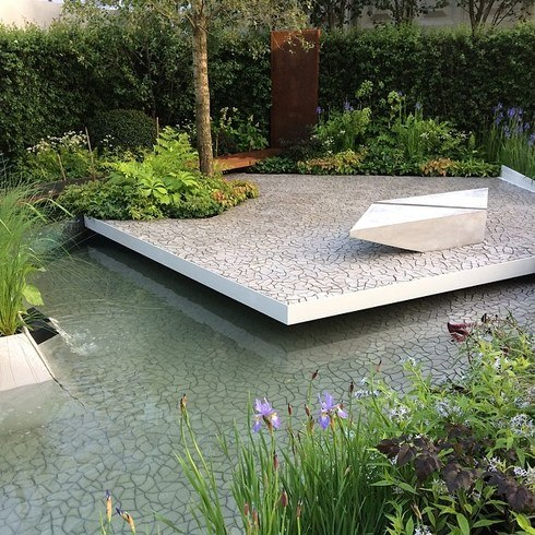 Rhs chelsea flower show in full bloom2luxury2 com for Waterscape garden designs