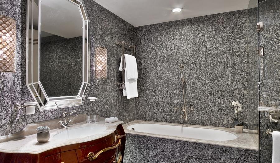 The St. Regis Moscow Nikolskaya-bathroom