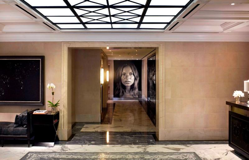 the-surrey-hotel-nyc-art-dislay