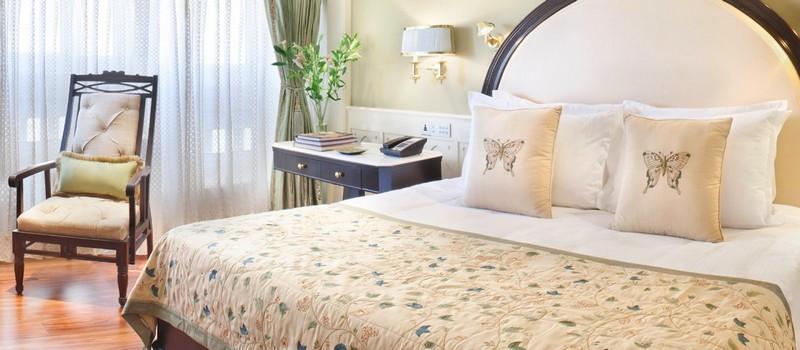 The Taj MahalPalace hotel-luxurious bedroom