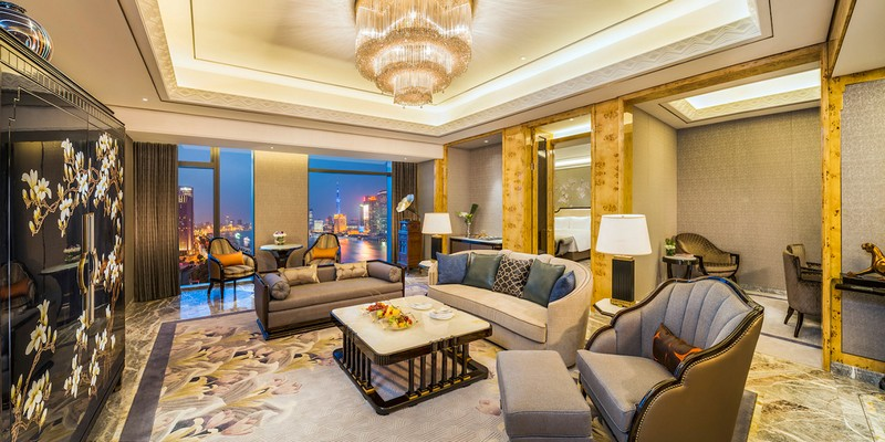 The Wanda Reign on the Bund - Shanghai's first seven-star hotel--
