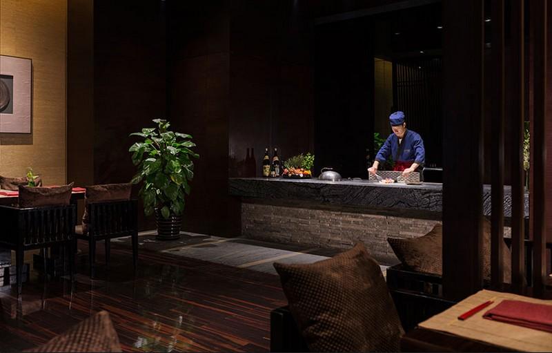 The Wanda Reign on the Bund - Shanghai's first seven-star hotel