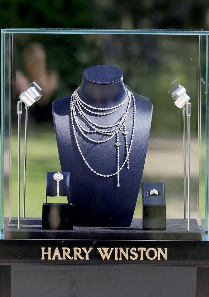 The breathtaking Secret Combination Diamond Necklace from #HarryWinston