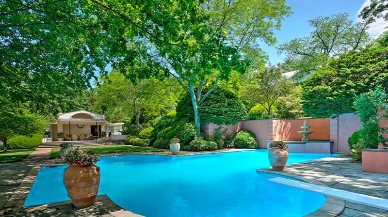 the-famed-cragwood-estate-has-entered-the-market-2016