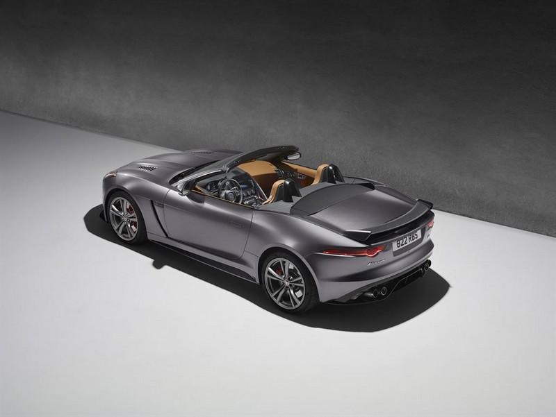 The new Jaguar F-Type SVR racing to Geneva at 200mph-