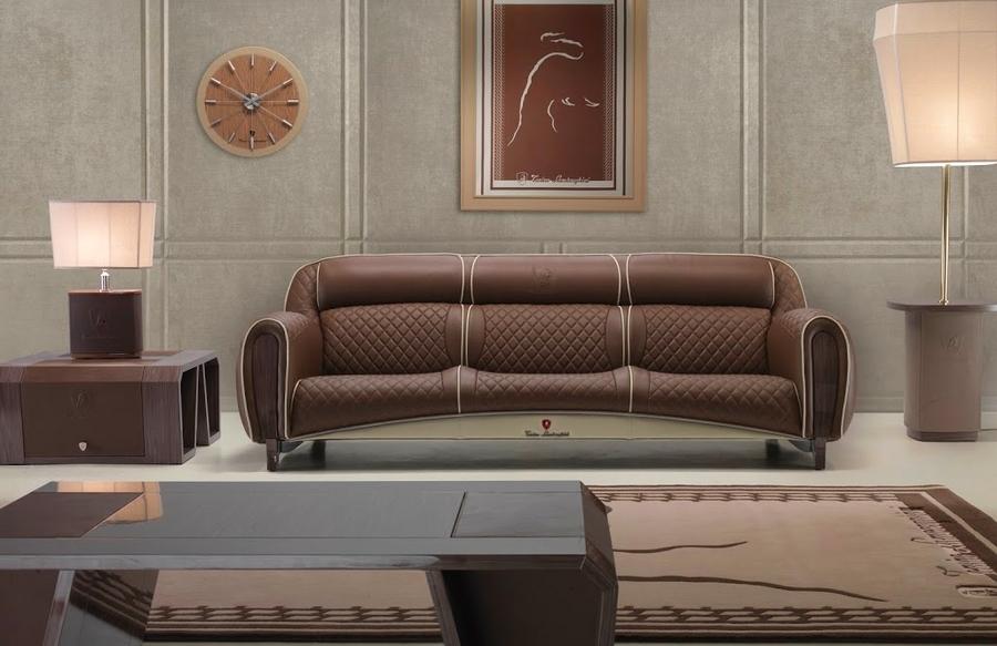 The three-seater Imola sofa