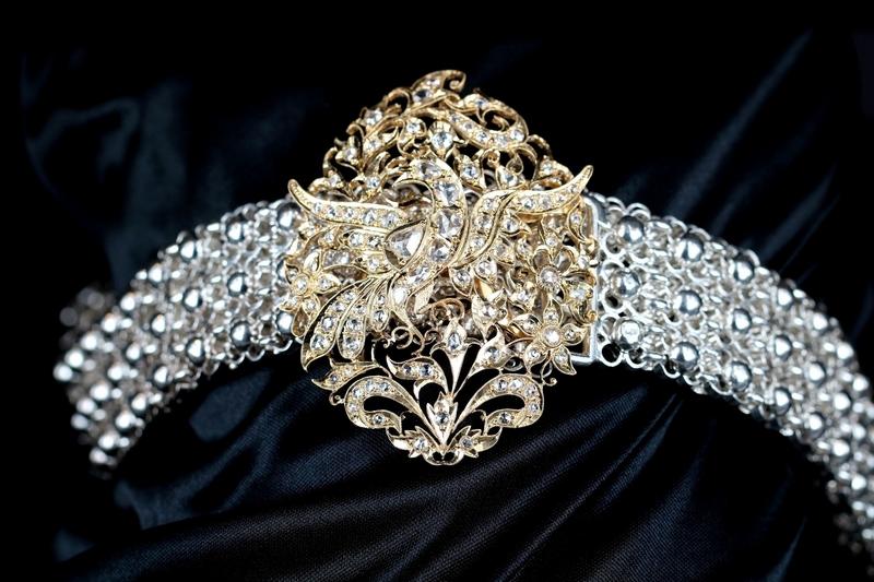 traditional-peranakan-belt-with-phoenix-motif-buckle