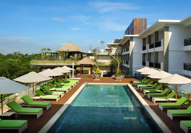 tribute-portfolio-debuts-in-bali-mathahari-pool