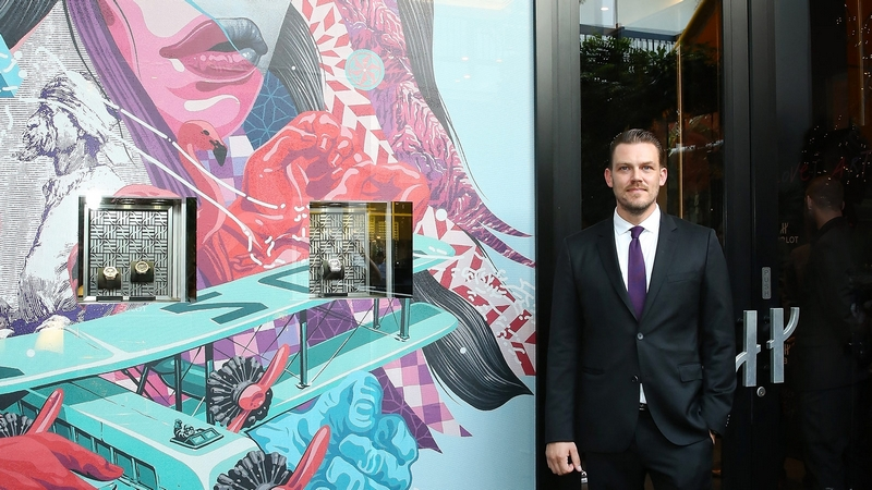 tristan-eaton-for-hublot-hublot-kicks-off-series-of-miami-art-basel-celebrations-with-street-artist-and-muralist-tristan-eaton