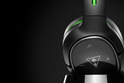 Gamers holding out for a top-of-the-line, 100% fully wireless headset for Xbox One need not wait any longer